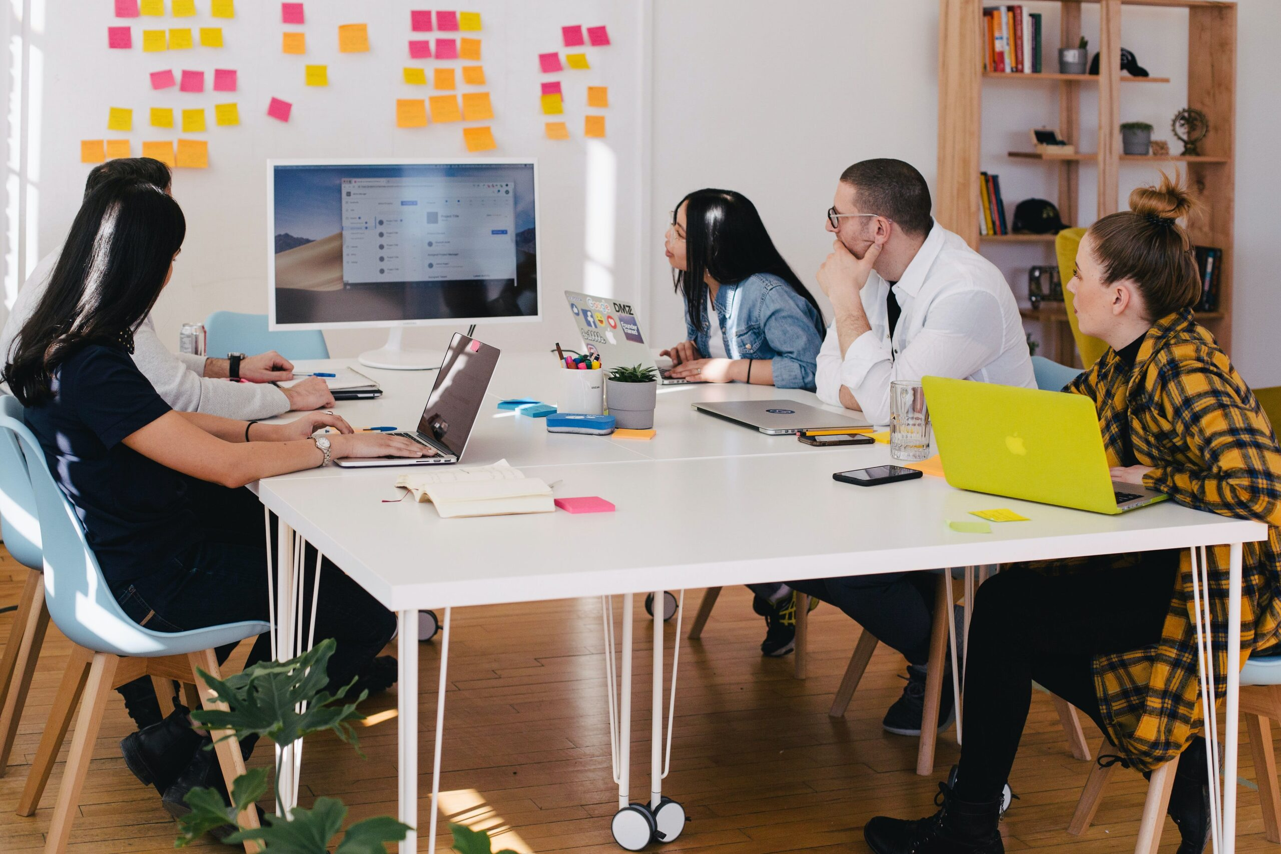 How To Start A Successful Advertising Agency Business