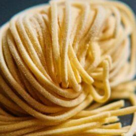 Spaghetti Challenge: Build a Tower, Build a Team