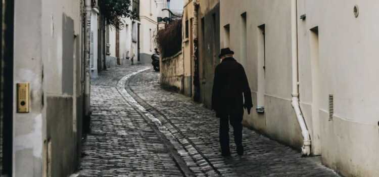 Ernest Hemingway in Paris: Young, Poor, and Happy
