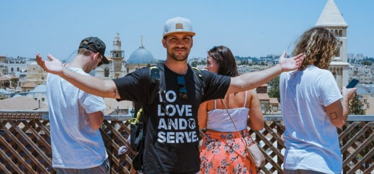 Serve Other People: The Key to a Fulfilling Life