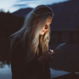 """How to Stop Your """"News Feed Scrolling"""" Addiction"""