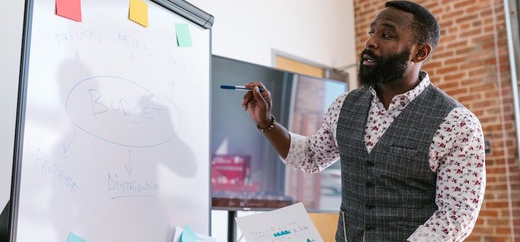 Unbundled Business Model: Characteristics & Benefits